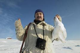 Fjällripan, vinterfjällets högvilt,. Sven-Åke som i vanliga fall jagar stora älgtjurar i Tornedalen sätter stort värde på ett par dagars vinterjakt i Kirunafjällen.