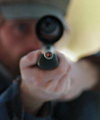 Med tanke på visent som går till angrepp bör en jägare vara utrustad med en studsare i kaliber .500 Stef.