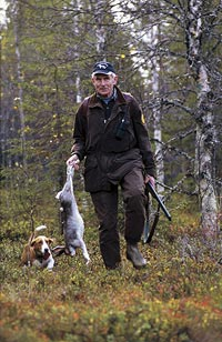 Att få komma ut och jaga hare med sina drevrar är bland det bästa livet har att erbjuda, anser Åke Andersson.