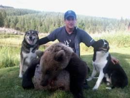 Robert Salomonsson, Vilhelmina, är inte bara björnjägare utan nu också filmproducent.