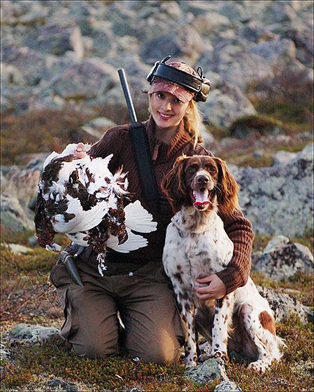 My älskar jakten  och jagar gärna ripa uppe på fjället.