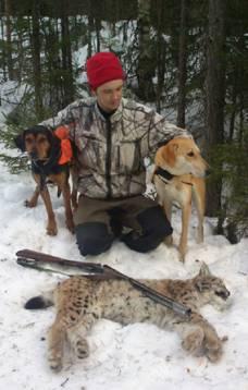 Anders Göras fick fälla det andra och sista lodjuret i  delområdet för sin egen hund Nadja och kompisen Joakim Lindbergs hund  Hero.