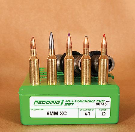 Normas ammunitionsprogram med från vänster Jaktmatch, Diamond Line, Nosler BST och Oryx. Längst till höger en bäverpatron laddad med Hornady VMAX.