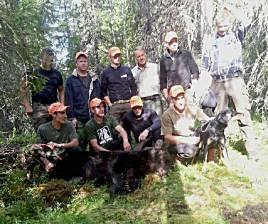 Bröderna Falk från Våmhus är erkänt skickliga rovdjursjägare. Idag fällde Mikael en hanbjörn på 185 kg utanför Lillhärdal.