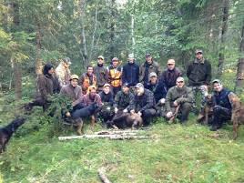 I stort sett samma gäng sköt även en björn igår, skytten var Tobias Barse, och björnen sköts inom Rättviks södras marker.