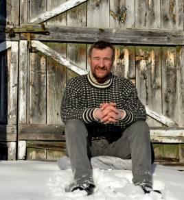 Härjedalspartiets grundare och ordförande Olle Larsson menar att vargen borde bevaras i hägn. Foto: Privat