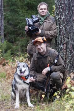 Fotografen Mikael Jägare och yrkesjägaren Thomas Ekberg satsar nu på jaktbutik och filmsajt.