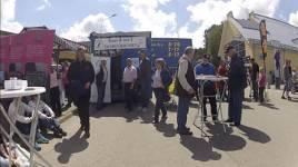Ullared Game Fair lockar många besökare och får dessutom ett gratis påhälsning av alla vanliga Gekåskunder.