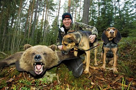 Daniel Birgersson, Alfta, blev tidigt intresserad av björnar och har under de senaste åren satsat stenhårt på björnjakt med sin björnhund Putte, en korsning mellan finsk stövare och jämthund.