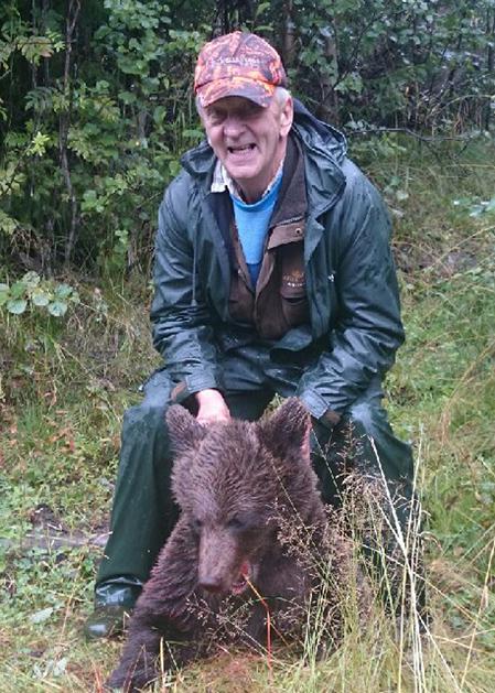 Conny Grips sköt en mindre björn utanför Ytterhogdal på söndagsmorgonen.