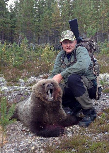 Anders Lindqvist samordnar gemensam björnjakt för Holmens jaktlag i Härjedalen.