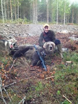Adam Jansson var först att rapportera vid årets björnpremiär.