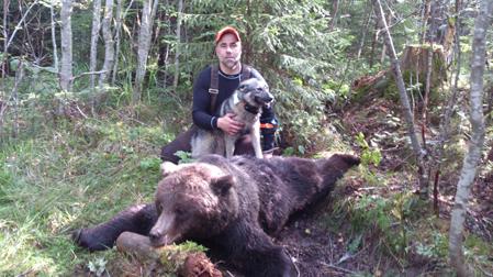 Manollo Rodriguez lyckades fälla björnen i samband med attacken.