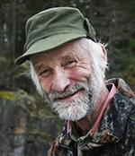Evald Hellgren gläds över att hans fälla Sinkabirum L 112 åter är godkänd för fångst av vildsvin.