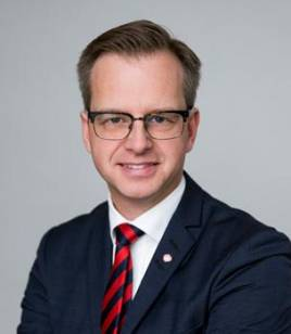Närings- och Innovationsminister Mikael Damberg.