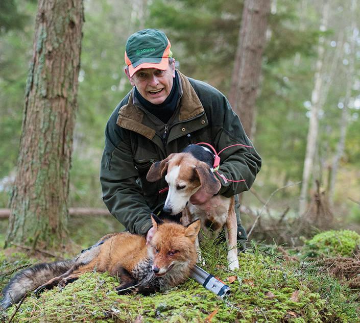 Att få skjuta för den gamla jaktkamraten är en speciell känsla, som även innehåller ett stråk av vemod - man vet aldrig vilken jaktdag som blir den sista tillsammans.