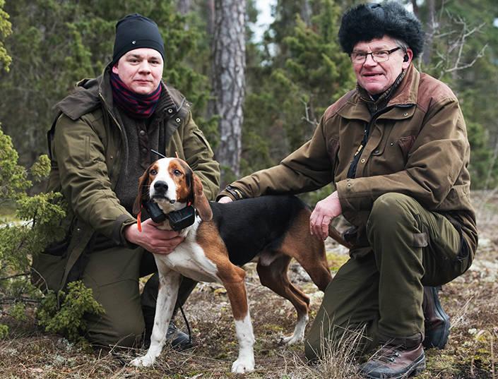 Robert Johansson och pappa Börje tillsammans med SM-vinnaren Biabys Vicko. Foto: Joakim Martinsson.