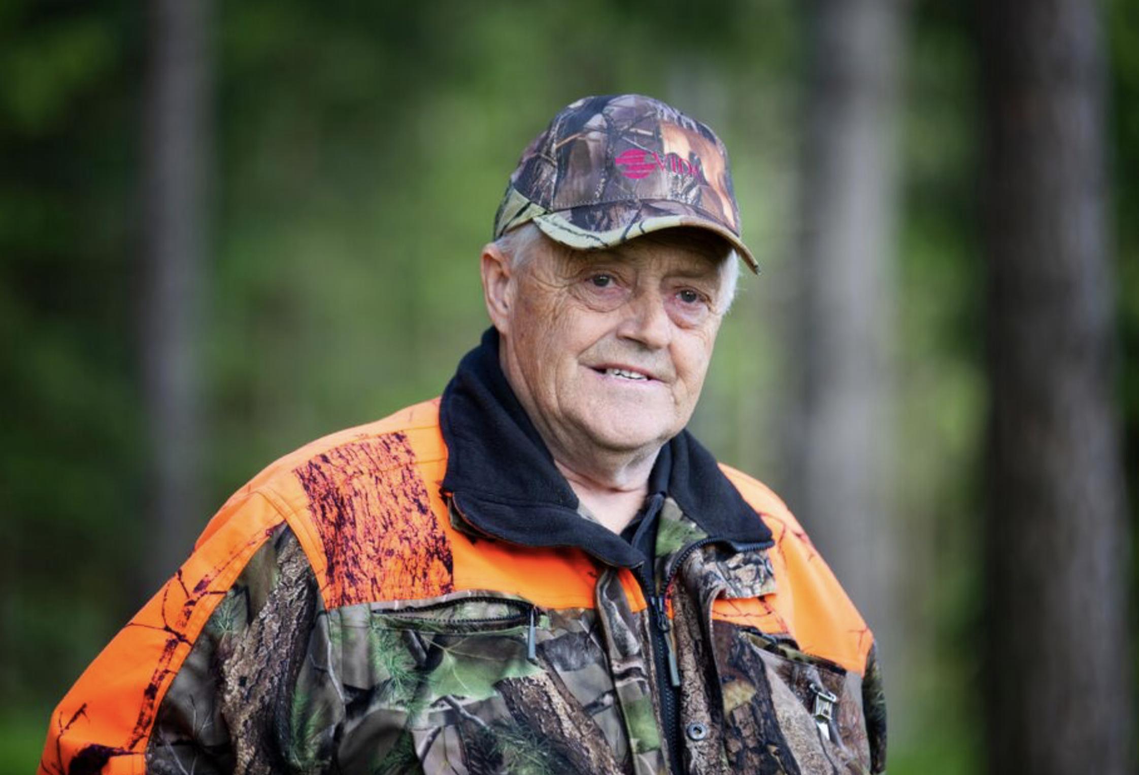 – Jag kör ofta extra lydnadsträningen inför ett jaktprov. Lydnad ger höga poäng på jaktprov, understryker Bertil Sandin.